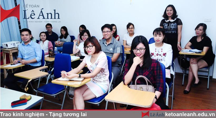 Hình ảnh khóa học kế toán thực hành tại trung tâm kế toán Lê Ánh