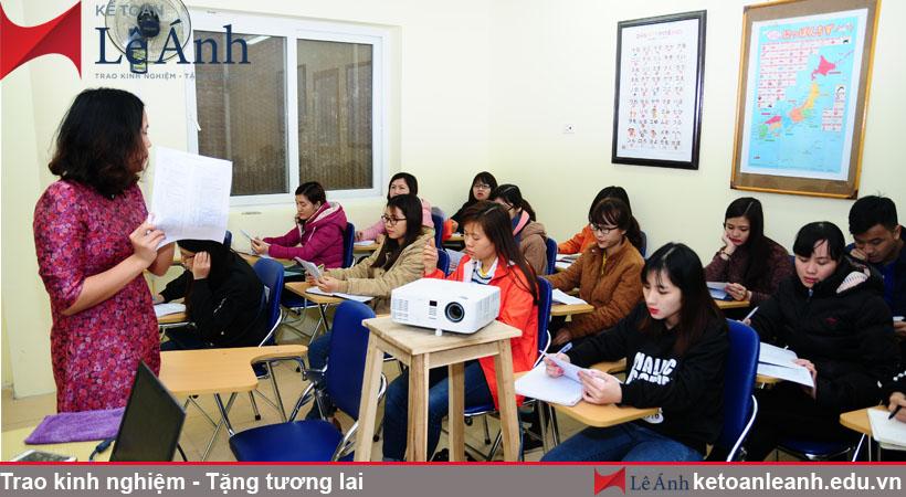 Hình ảnh lớp học kế toán tại Trung tâm kế toán Lê Ánh